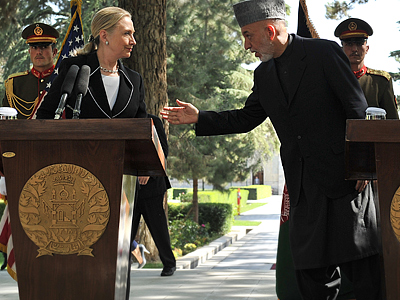 Clinton makes surprise visit to Kabul, declares Afghanistan 'major non-NATO ally'