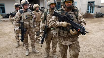 British soldiers of the 1st Batallion of the Royal Welsh before a patrol in the streets of Showal in Nad-e-Ali district, Southern Afghanistan, in Helmand Province (AFP Photo/Thomas Coex)