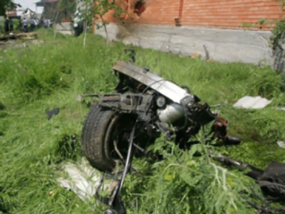 Part of destroyed vehicle of Ingush president Yunus-Bek Yevkurov (AFP Photo / Kazbek Basayev)