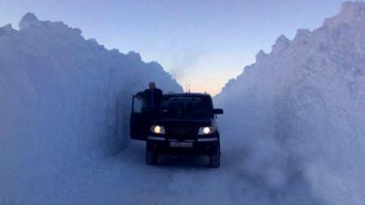 Snowiest winter in 100 years paralyzes Moscow traffic for 3,500 km (PHOTOS)
