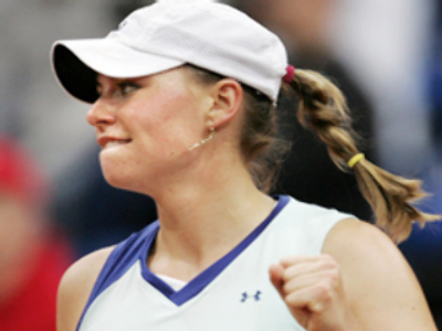 Zvonareva storms through to WTA final