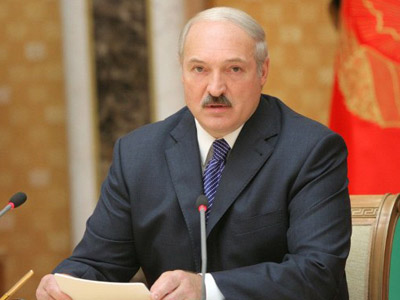 Lukashenko calls Russia and EU partners, seeks help