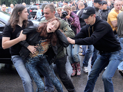 "Belarusian silent protestors say ""Hush!"""