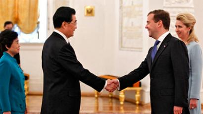 As global economy cools, Russian-Chinese relations heat up