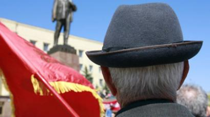 Communists snub Russian March