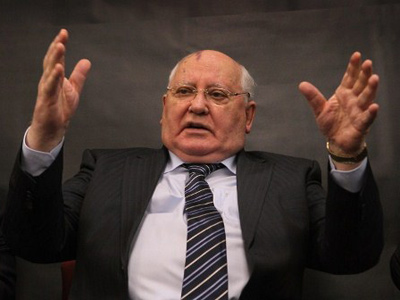 Gorbachev praises democratic Russia