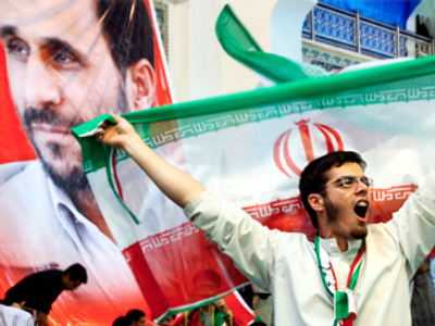 Israelis back Ahmadinejad (while holding their noses)