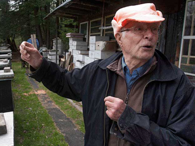 Canadian beekeeper must face trial for Nazi crimes – rights activists