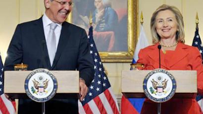 Sergey Lavrov and Hillary Clinton (AFP Photo / Karen Bleier)