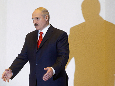Poland urges Lukashenko to give up power
