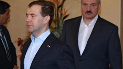 Medvedev sweeps to victory