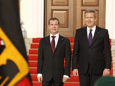 Russian President Dmitry Medvedev at an official meeting ceremony with German President Christian Wulff in his Berlin residence, the Bellevue Palace (RIA Novosti / Dmitry Astakhov)