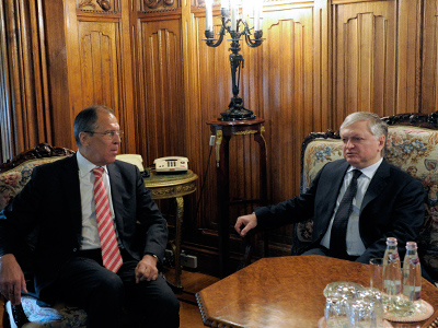 Russian and Armenian Foreign Ministers Sergey Lavrov (L) and Edward Nalbandian (R) holding talks in Moscow (RIA Novosti / Eduard Pesov)