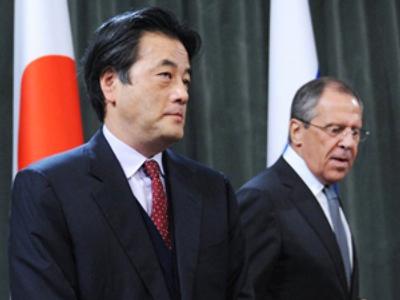 Sergey Lavrov (R) and Katsuya Okada  (AFP Photo / Alexander Nemenov)