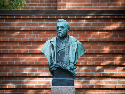 The statue of Alfred Nobel (AFP Photo / Gunnar Lier)