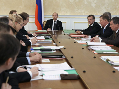 Russians want Putin to change government