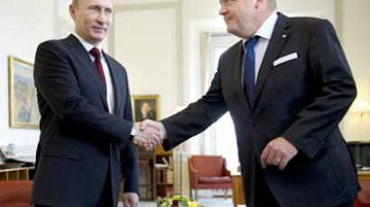 Vladimir Putin (L) and Lars Lokke Rasmussen (AFP Photo/ Keld Navntoft / Scanpix)