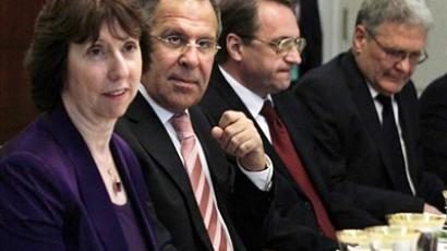 European Union High Representative Catherine Ashton, left, Russian Foreign Minister Sergey Lavrov, Russian Deputy Foreign Minister Mikhail Bogdanov, and Russian Ambassador Sergei Yakovlev, attend a dinner at the State Department in Washington, on Monday, July 11, 2011 (AFP Photo / Getty Images)