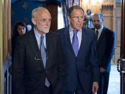 Sergey Lavrov (R) and Jakob (AFP Photo / Natalia Kolesnikova)