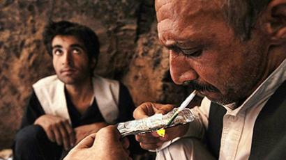 Afghanistan: Afghan drug addicts smoke heroin in the city of Herat. (AFP Photo / Shah Marai)