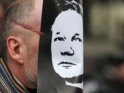 Nobel Prize could protect WikiLeaks founder - Kremlin source