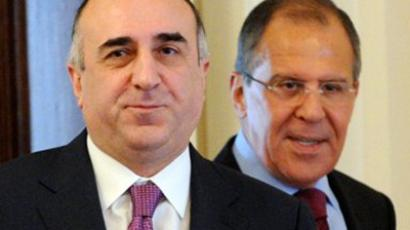Russian Foreign Minister Sergey Lavrov (R) meets with his visiting Azerbaijani counterpart Elmar Mammadyarov in Moscow, on July 18, 2011 (AFP Photo / Aleksandr Nemenov)