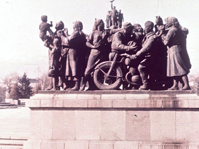 The Monument to the Soviet Army was built in Sofia in 1954 (Image from wikimedia.org)