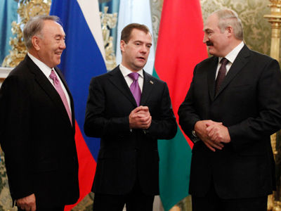 (L-R) Nursultan Nazarbayev, Dmitry Medvedev and Aleksandr Lukashenko (RIA Novosti / Dmitry Astakhov)