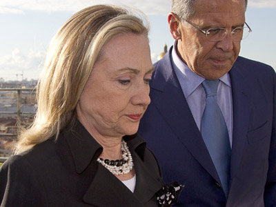 US Secretary of State Hillary Clinton (L) and Russian Foreign Minister Sergey Lavrov (AFP Photo/Haraz N. Ghanbari)