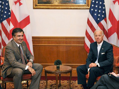 "Biden ""persuades"" Saakashvili to lift barriers on Russia's way to WTO"