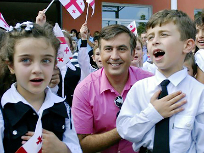 Saakashvili closes down Russian schools in Georgia
