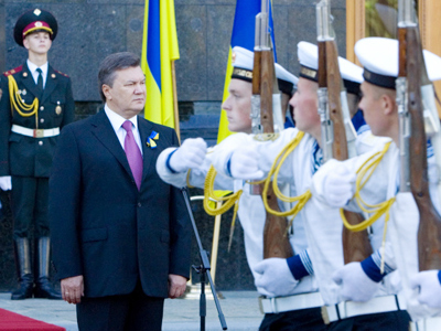 "Ukraine ""finally breaks"" with Soviet past"