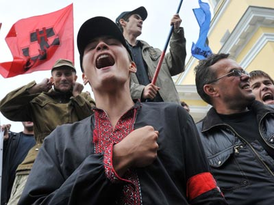 Ukrainian ultra-nationalists shout as they protest (AFP Photo/ Sergei Supinsky)
