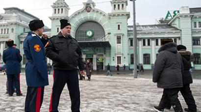A Cossack team patrolling the streets near the Belorussky railway station on November 27, 2012. (RIA Novosti / Alexander Vilf)
