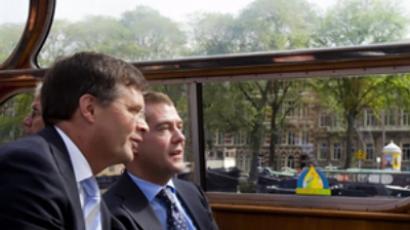 Dutch Prime Minister Jan Peter Balkenende (L) and Russian president Dmitry Medvedev in Amsterdam on June 20, 2009 (AFP Photo / ANP / RVD pool / Frank Van Beek)