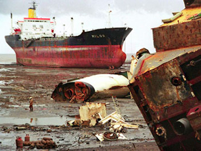 Port shipbreakers, Bangladesh
