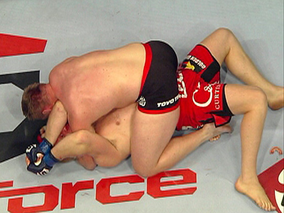 Barnett chokes Kharitonov for Strikeforce finals