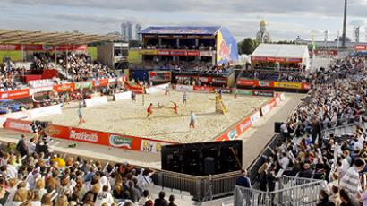 Americans crowned queens of Moscow sand