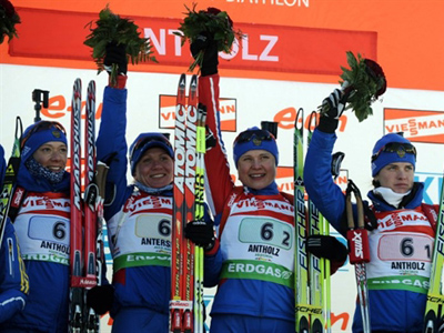Russian team (LtoR) Natalia Guseva,Olga Zaitseva, Anna bogaliy Titovets and Svetlana Sleptsova (AFP Photo / Vincenzo Pinto)