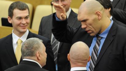 Nikolay Valuyev (R) with LDPR leader Vladimir Zhirinovsky, (L) attend the first meeting of the sixth convocation of the State Duma(RIA Novosti / Iliya Pitalev)
