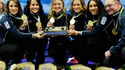 (L-R) Russia's team, Anna Sidrova, Ekaterina Galkina, Liudmila Privivkova, Margarita Fomina, Nkeiruka Ezekh and coach Thomas Lips (AFP Photo / Scanpix Sweden / Janerik Henriksson Sweden out)