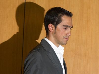 Saxo Bank-Sungard rider Alberto Contador arrives to a news conference at his hometown of Pinto, near Madrid February 7, 2012 (Reuters / Juan Medina)
