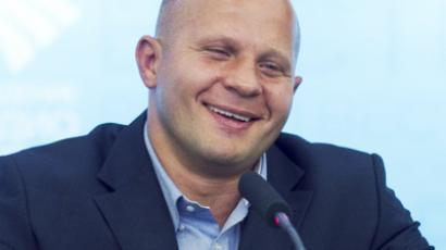 Monson knocks daylights out of Moscow cops