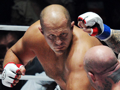 Russian mixed martial arts heavyweight fighter Fedor Emelianenko (L) fight Jeff Monson of the US in Moscow on November20, 2011. (RIA Novosti / Vladimir Astapkovich)