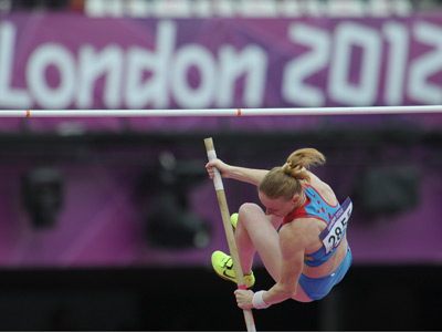 Russia's Svetlana Feofanova competes in a pole vault qualification event at the 30th Summer Olympic Games in London (RIA Novosti / Sysoev)