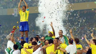 Brazilian football stars celebrate World Cup 2002 win
