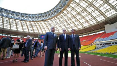 Alexey Vorobyov (L), head of Moscow's Department for Physical Culture and Sports, Jurgen Muller (C), FIFA's head of the 2014, 2018 and 2022 World Cups and Director General of the Russia 2018 World Cup Organizing Committee Alexey Sorokin visit Moscow's Luzhniki Stadium. (RIA Novosti / Vladimir Astapkovich)