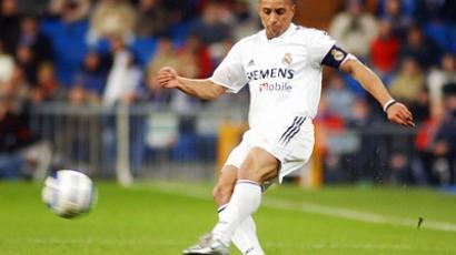 Roberto Carlos playing for Real Madrid