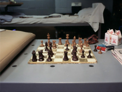 Former chess world champ to play convicts