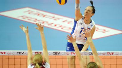 Russia's Katya Gamova on the attack in London 2012 qualification (RIA Novosti/Grigory Sysoev)